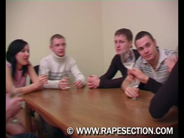 Видео студенческий групповой жесткий секс