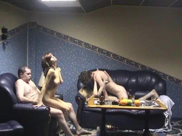 групповуха на скрытую камеру в сауне